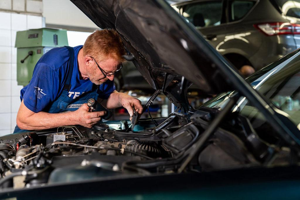 Autohaus Wursthorn – Wartungs- oder Reparaturarbeiten